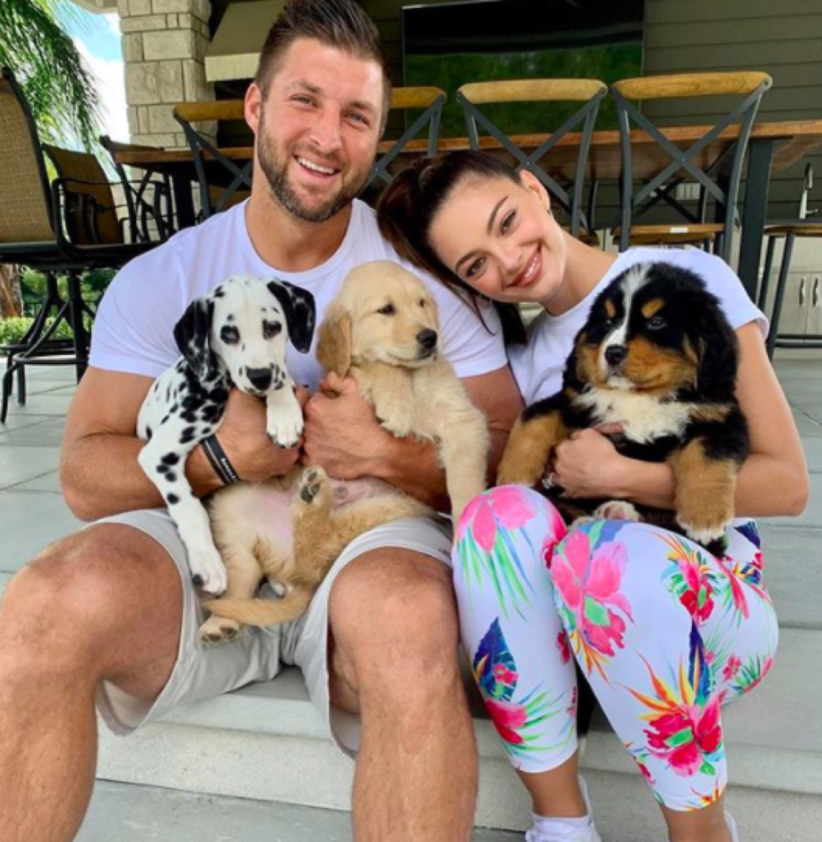 Tim Tebow's new puppies