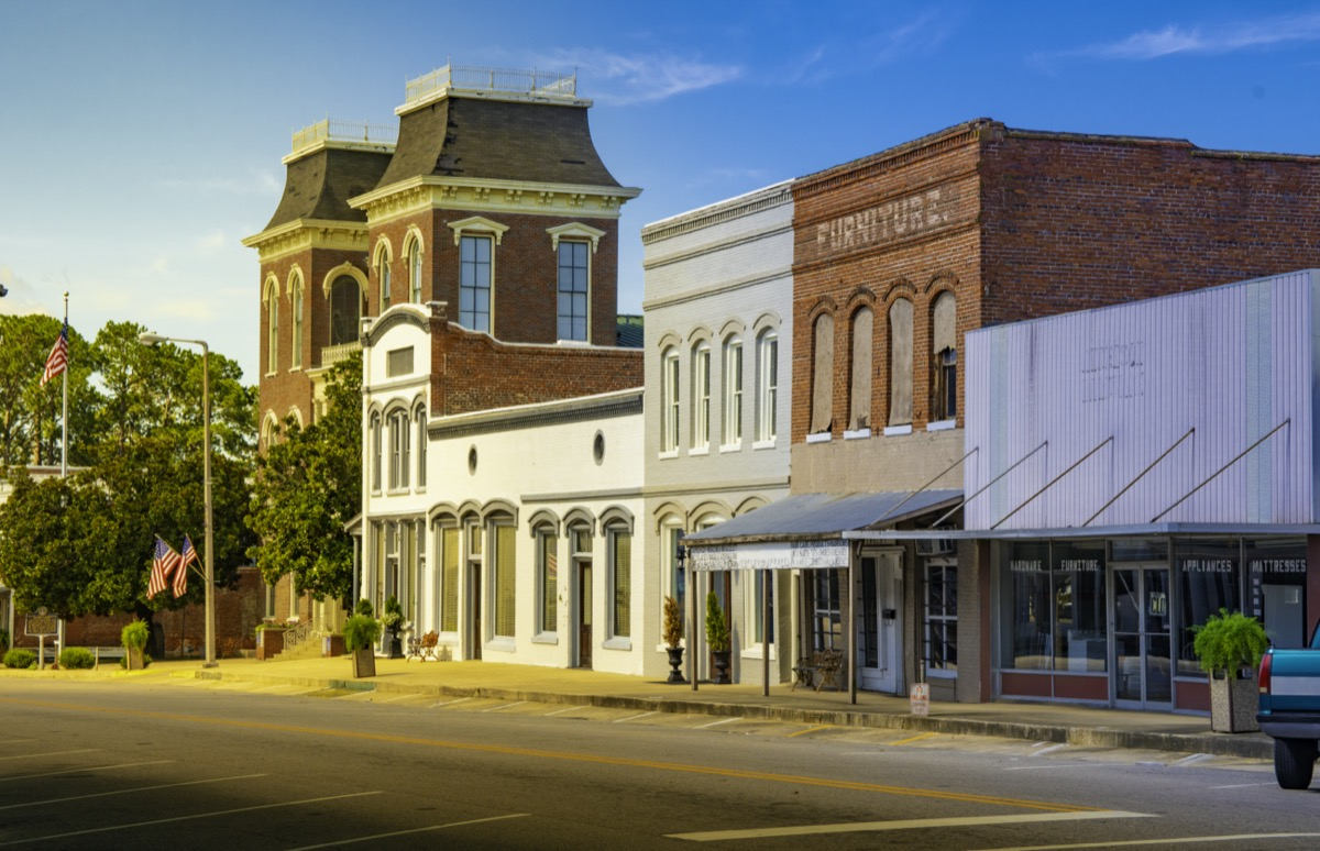 empt street and store in Union Springs, Alabama