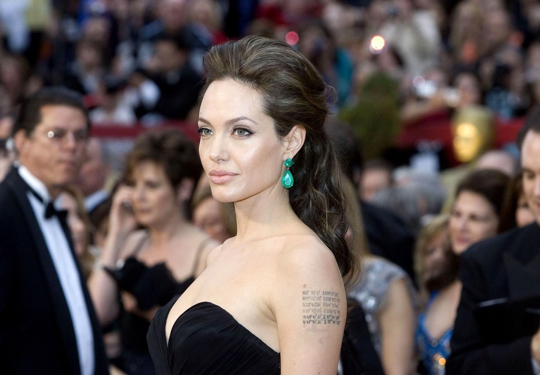 Angelina Jolie at 2009 Oscars