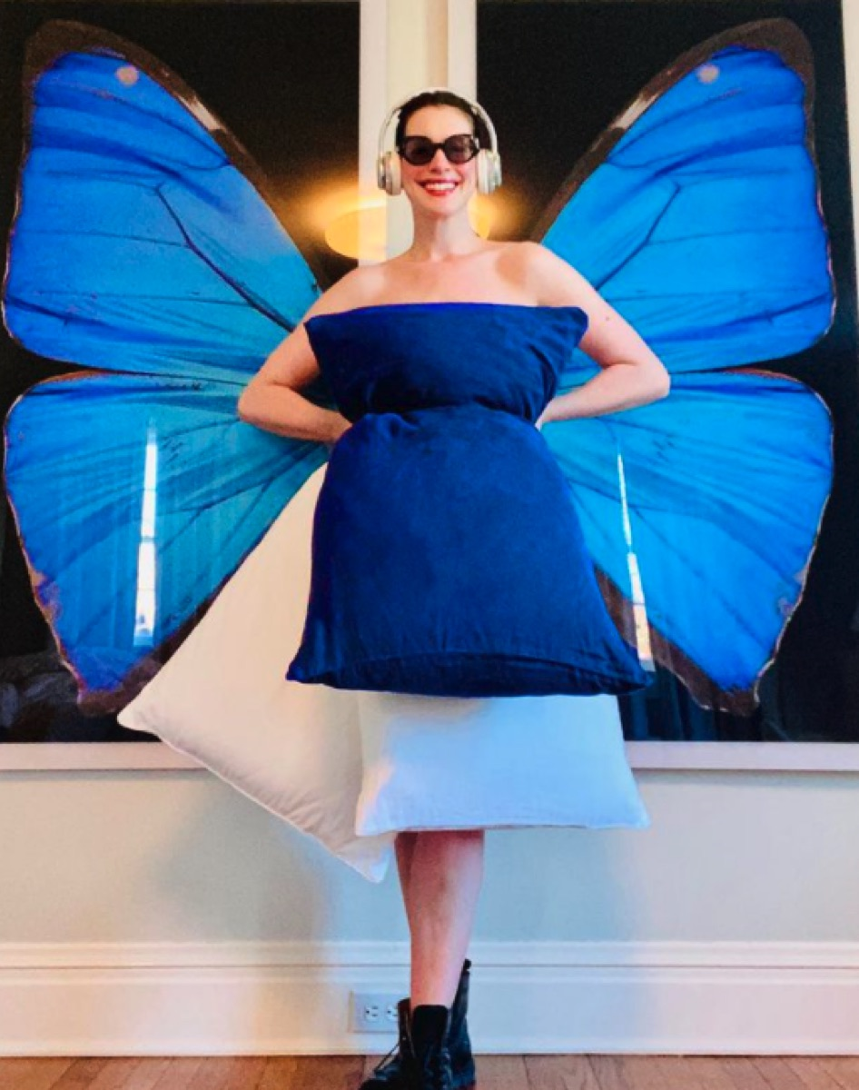 "Anne Hathaway recreating ""Princess Diaries"" costume"