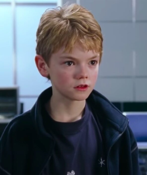 Thomas Brodie-Sangster in Love Actually