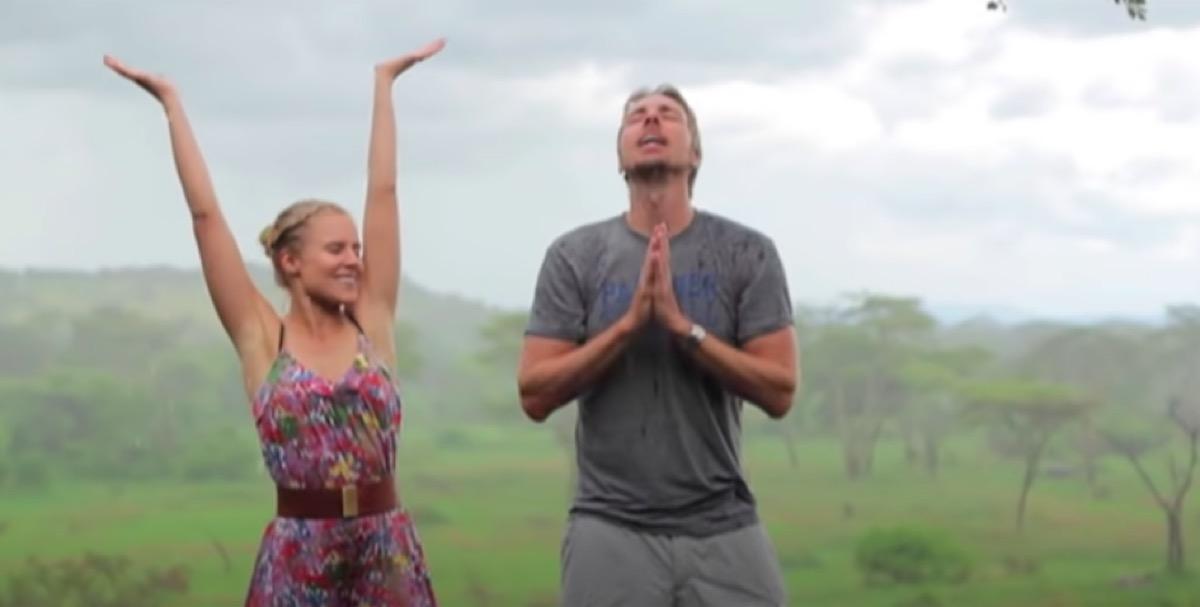 """Kristen Bell and Dax Shepard """"Africa"""" video"""