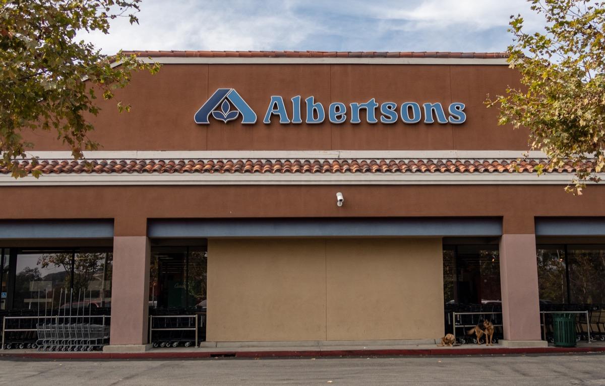 Exterior of Albertsons Grocery Store in Laguna, Niguel, California
