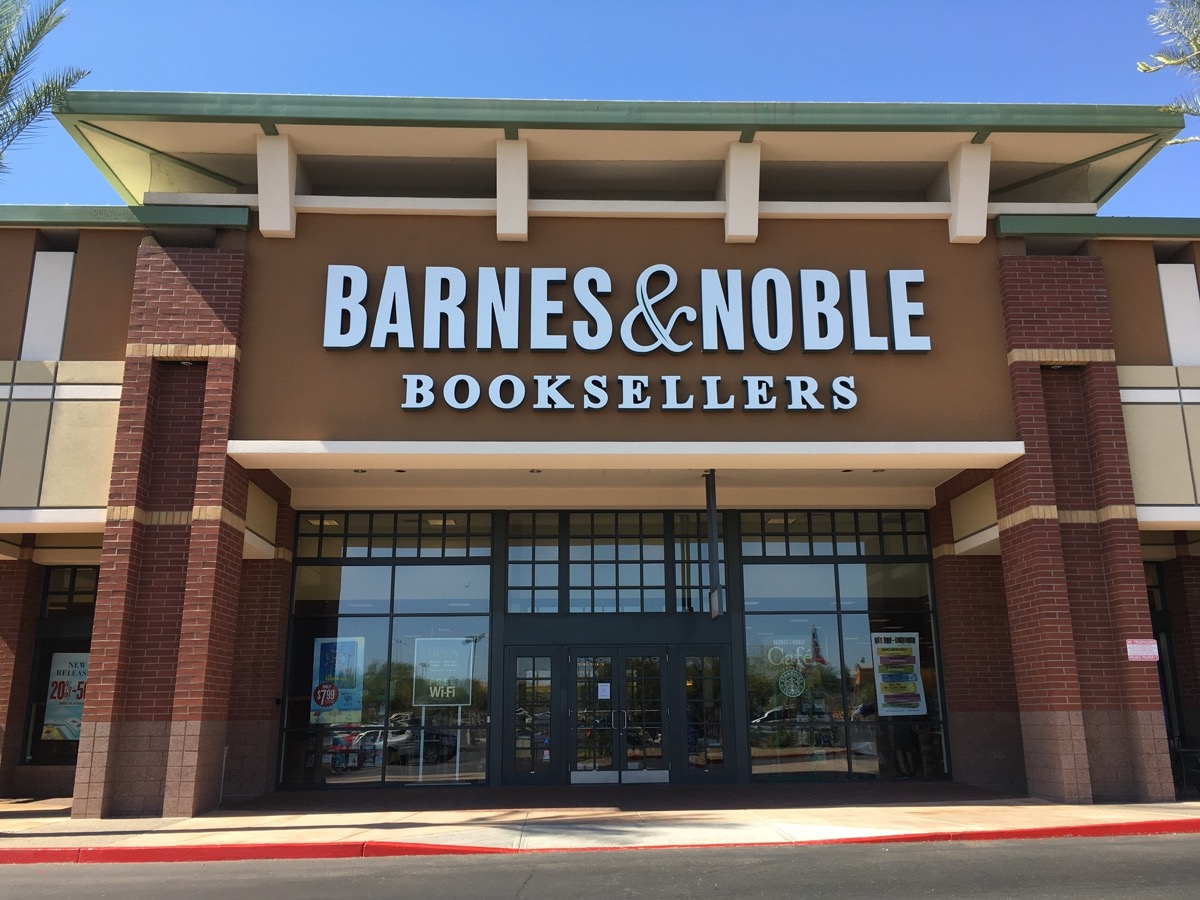 The exterior of a Barnes and Nobles in Phoenix, Arizona
