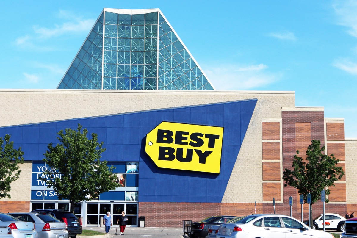 the outside of a Best Buy store in Taylor, Michigan