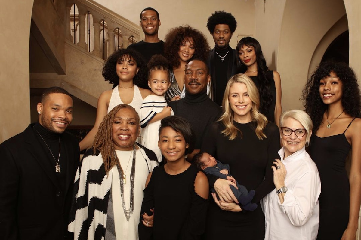 Eddie Murphy with entire family