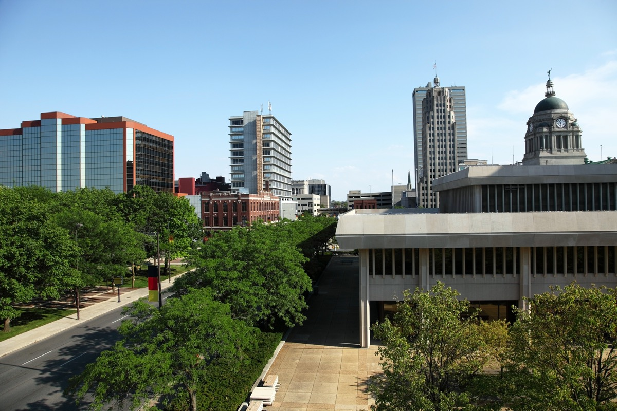 cityscape photo of downtown Fort Wayne, Indiana