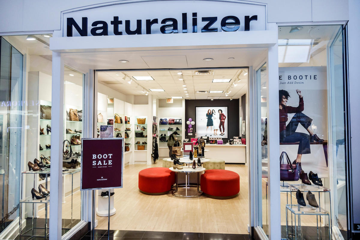 Naturalizer sore in Florida, South, Miami, International Mall