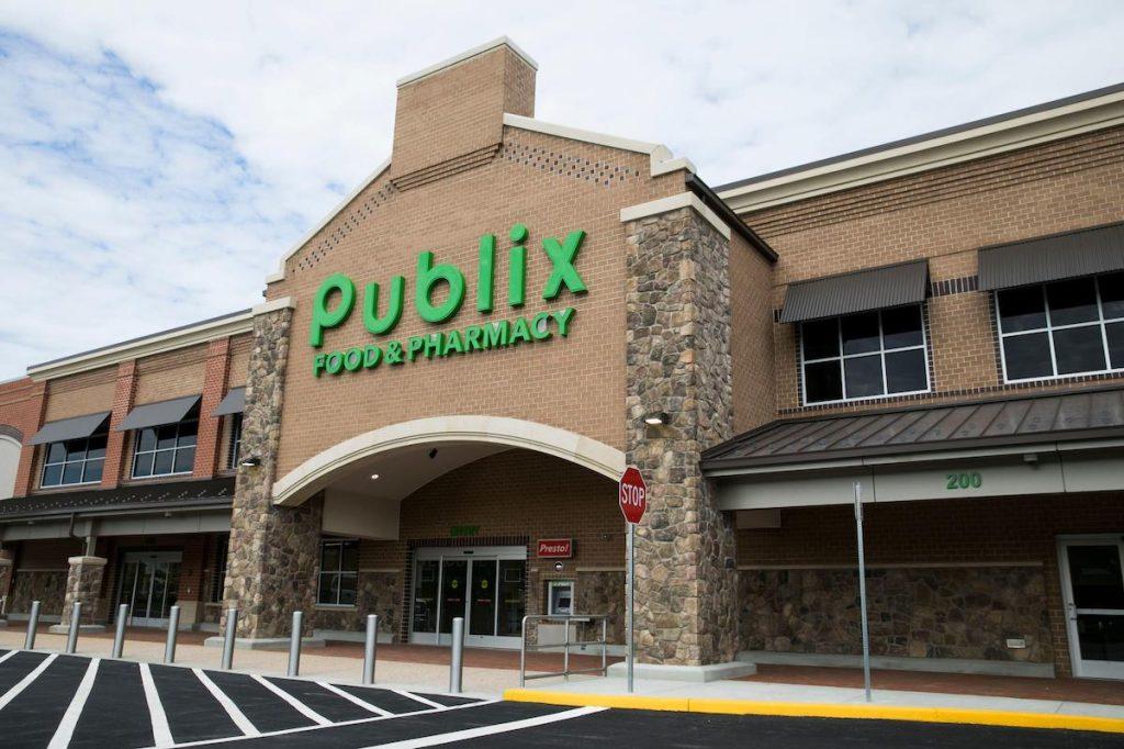 Tanda logo di luar toko kelontong Publix Super Markets di Midlothian, Virginia?
