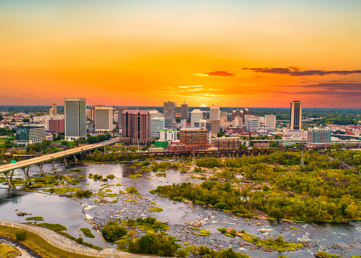 The skyline of Richmond, Virginia at sunset.