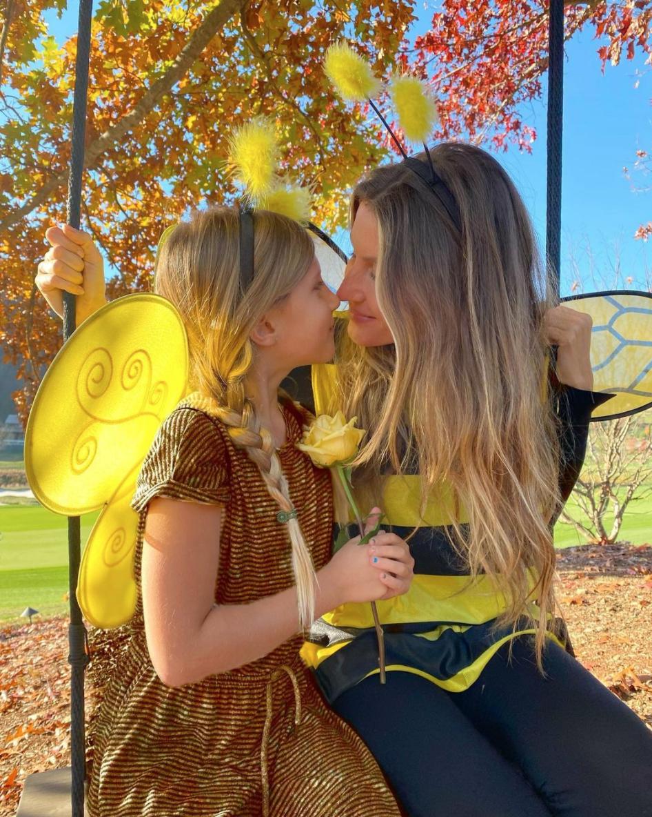 Gisele Bundchen and Vivian Halloween