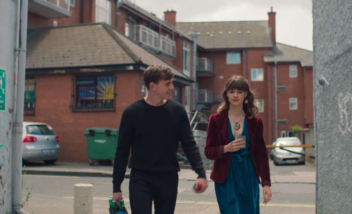 Paul Mescal and Daisy Edgar-Jones in Normal People