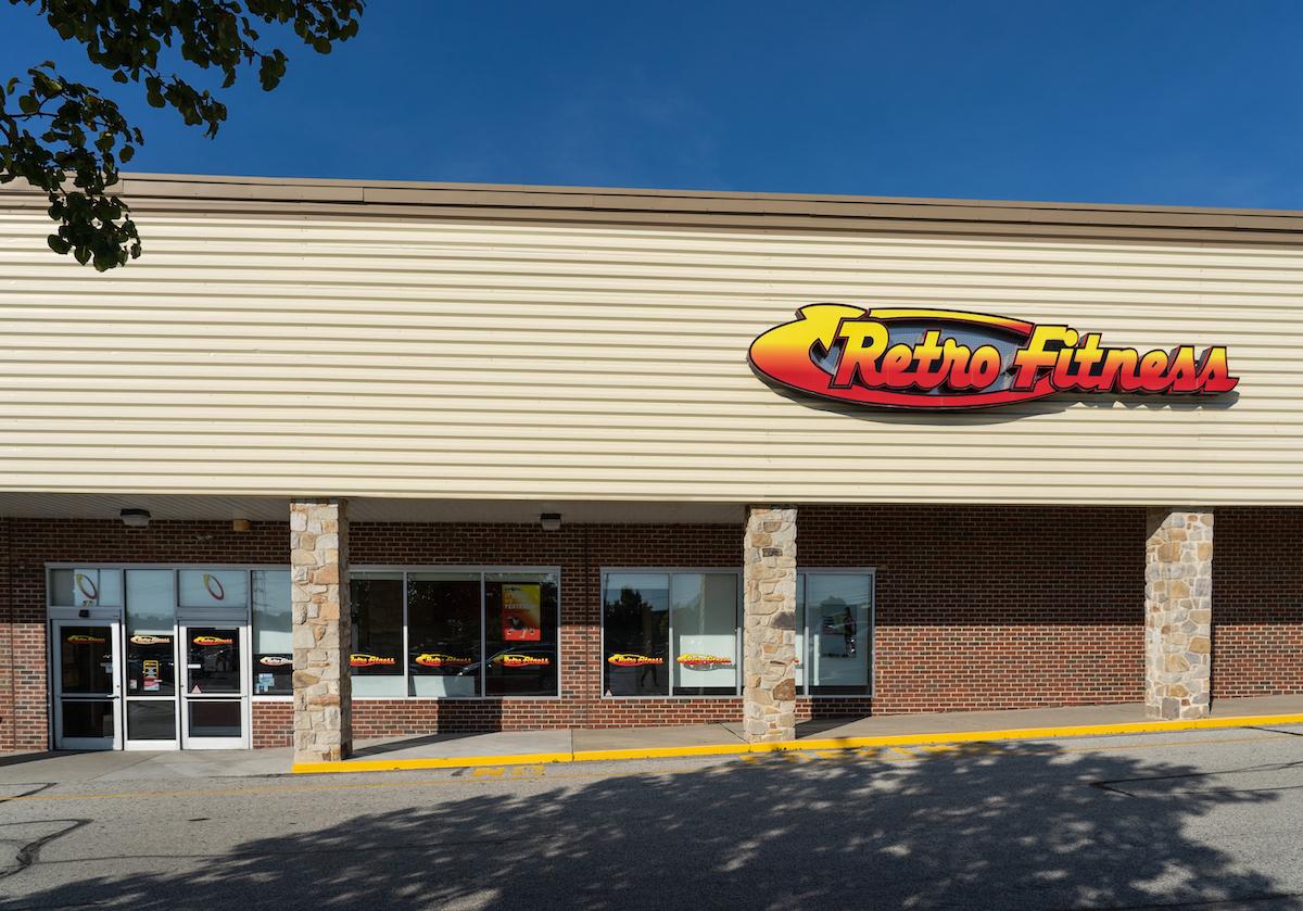 Retro Fitness gym exterior