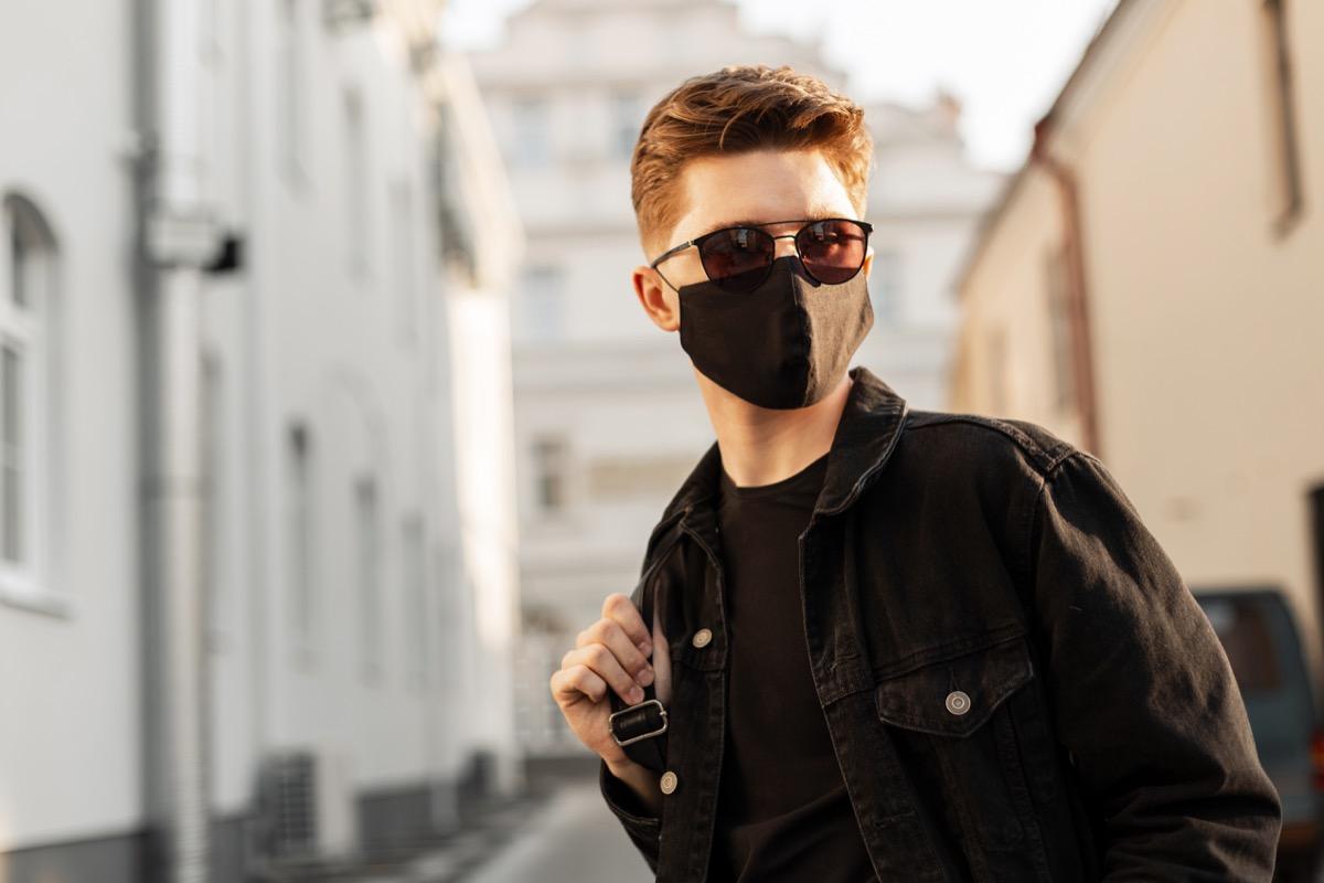 Man wearing a cloth mask