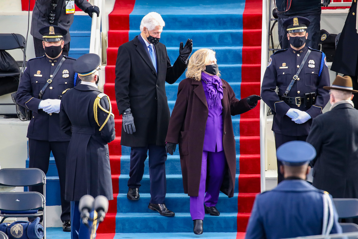 Former U.S. President Bill Clinton arrives with former Secretary of State Hillary Clinton to the inauguration of U.S. President-elect Joe Biden on the West Front of the U.S. Capitol on January 20, 2021 in Washington, DC