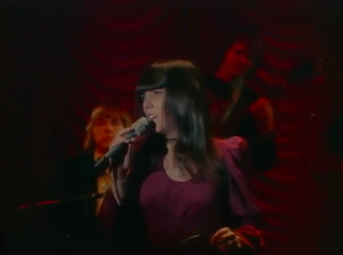 Karen Carpenter performing