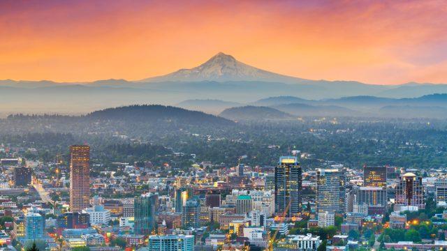 The skyline of Portland, Oregon at dusk