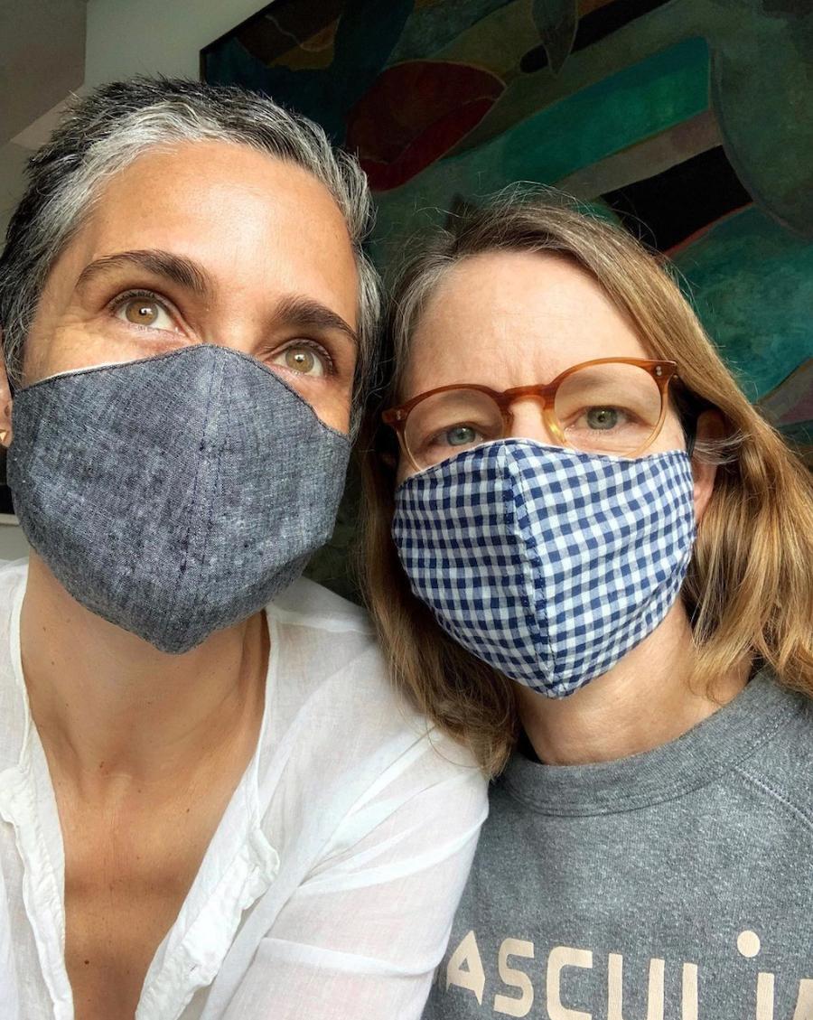 Alexandra Hedison and Jodie Foster wear COVID-19 masks in an Instagram selfie