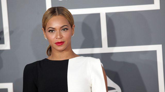 Beyoncé at the 2013 Grammy Awards