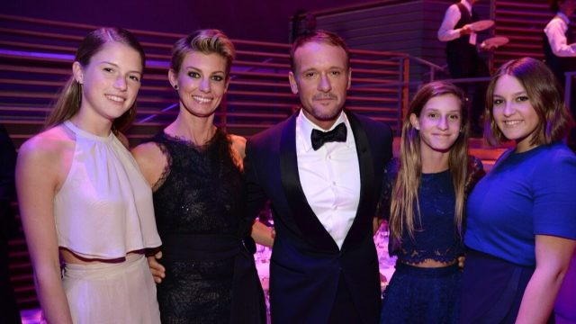 Tim McGraw, Faith Hill, and daughters in 2015
