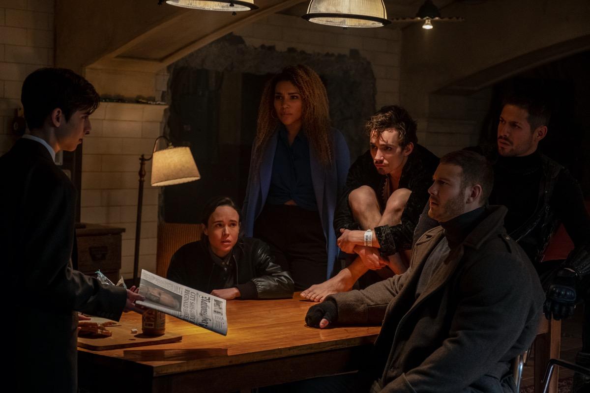 Aidan Gallagher, Elliot Page, Emmy Raver-Lampman, Robert Sheehan, Tom Hopper, David Castaneda in The Umbrella Academy