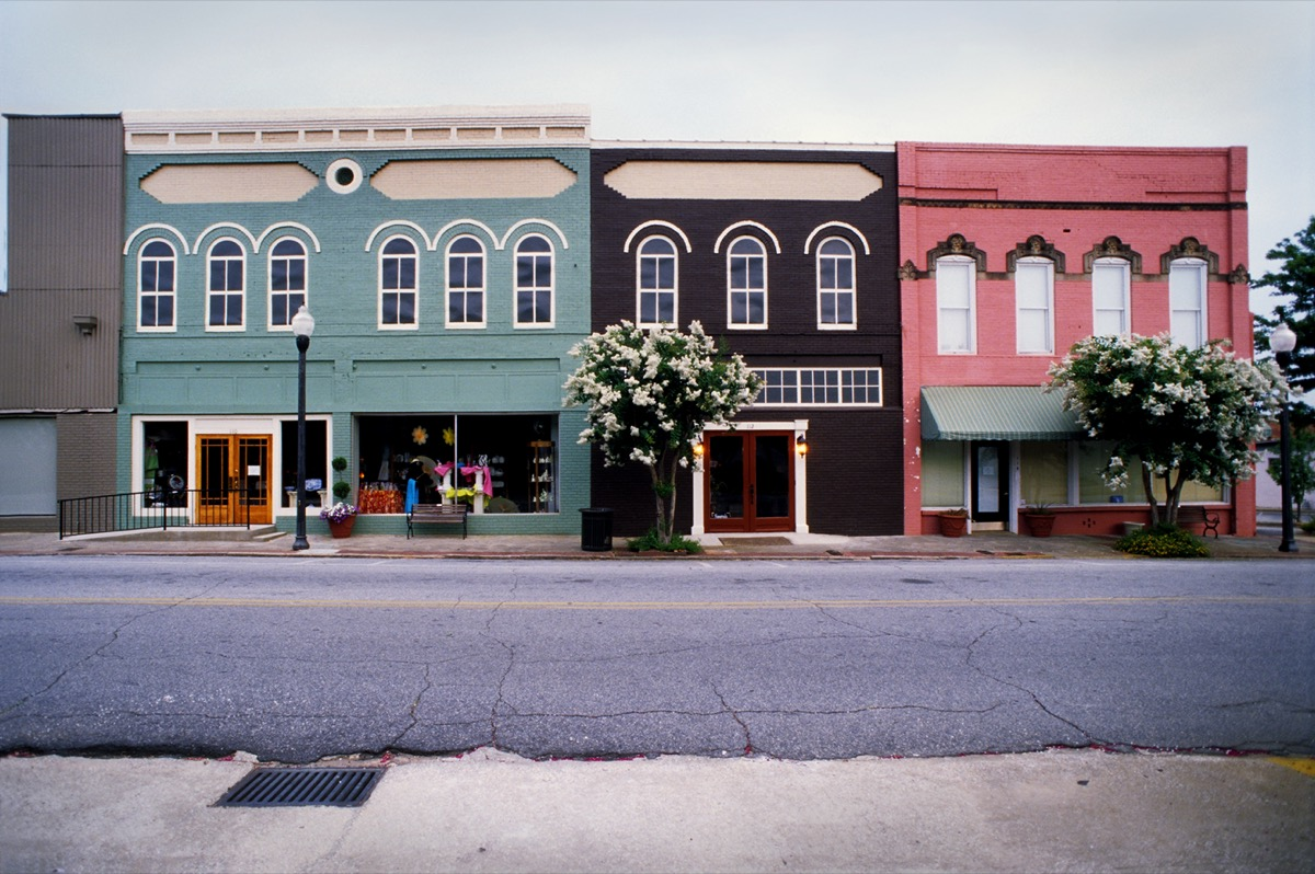 shops and road in Americus, Georgia
