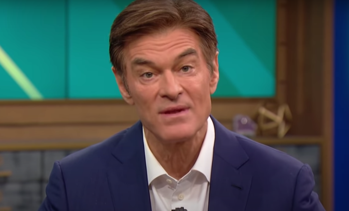 Dr. Oz hosting his show in March 2021