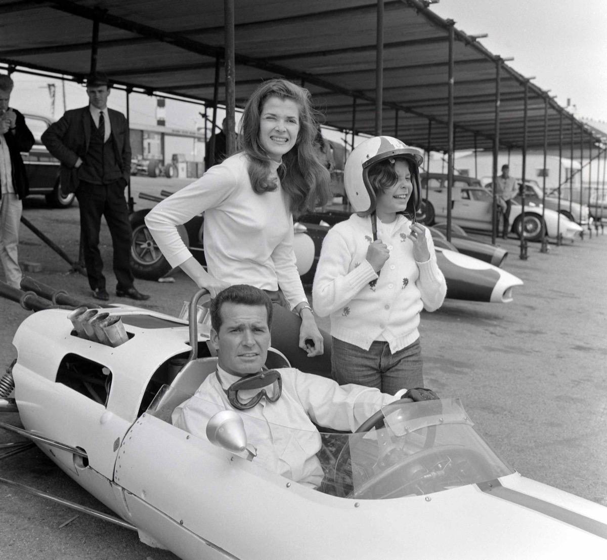 jessica walter and james garner in a formula one car