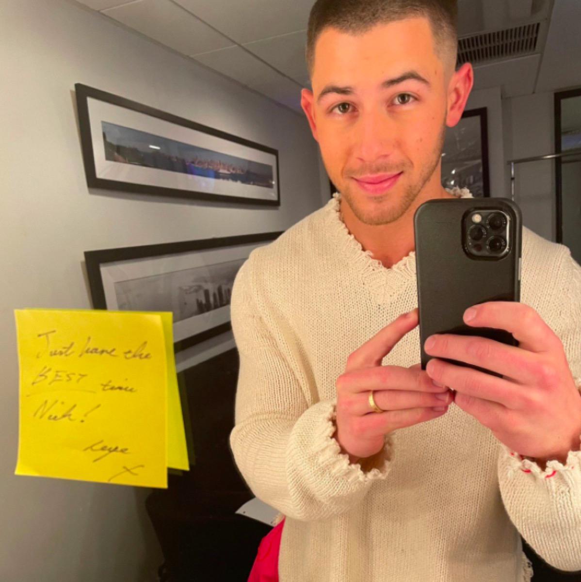 Nick Jonas SNL note