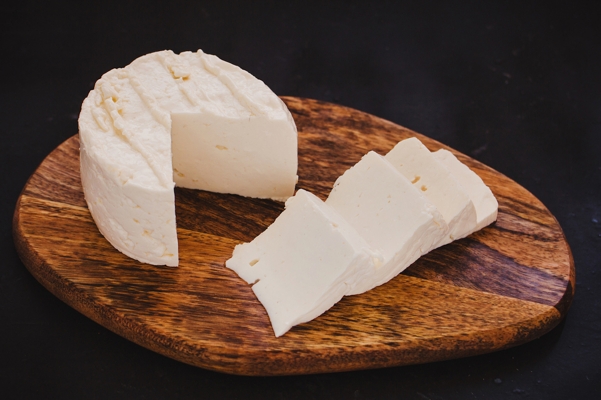 queso Panela cheese slices