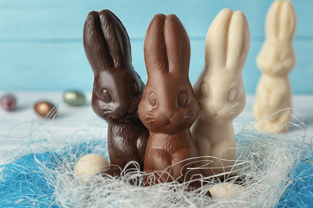 easter bunnies, dark chocolate, white chocolate