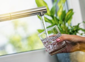 tap-water-sink-hand