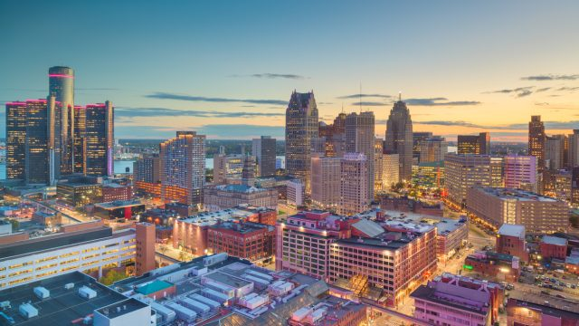 The skyline of Detroit, Michigan at dusk