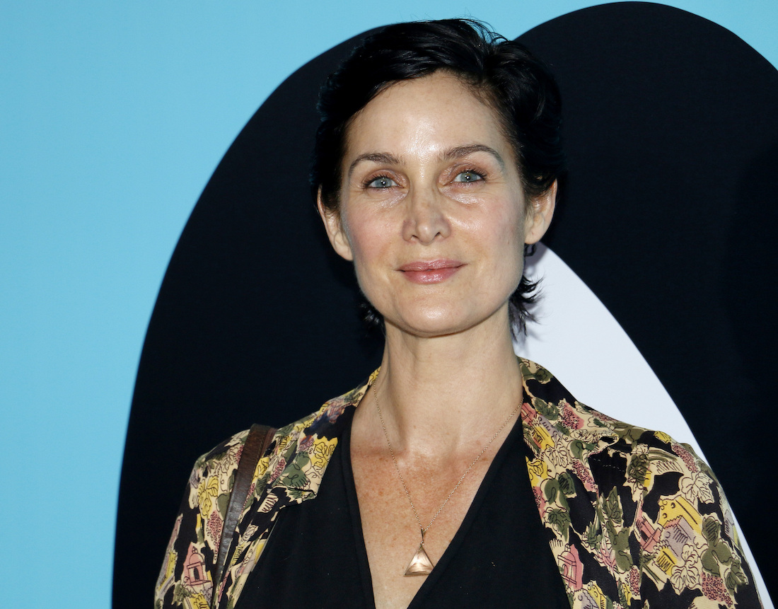 """Carrie-Anne Moss at the premiere of """"Wonder"""" in 2017"""