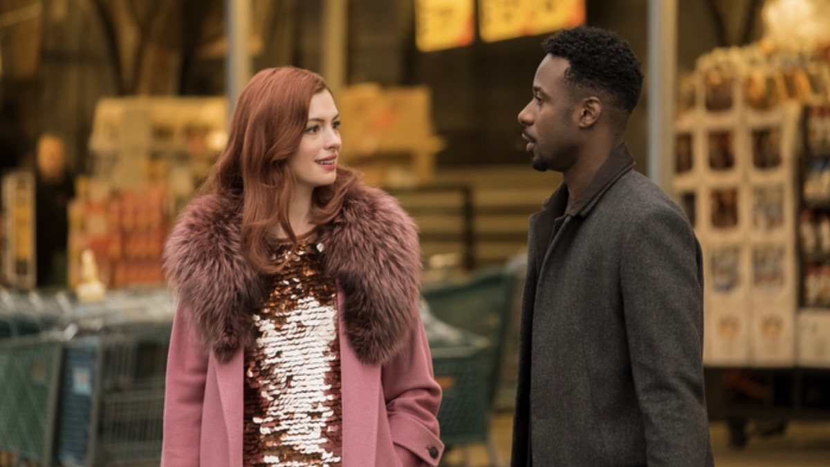 Anne Hathaway and Gary Carr in Modern Love