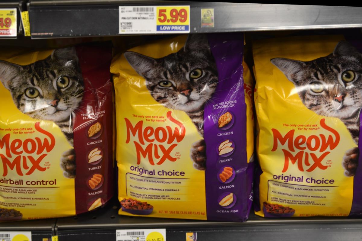 meow mix cat food on store shelf