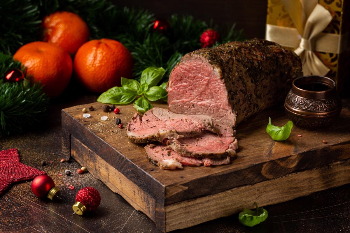 roast beef, cutting board, seasoning