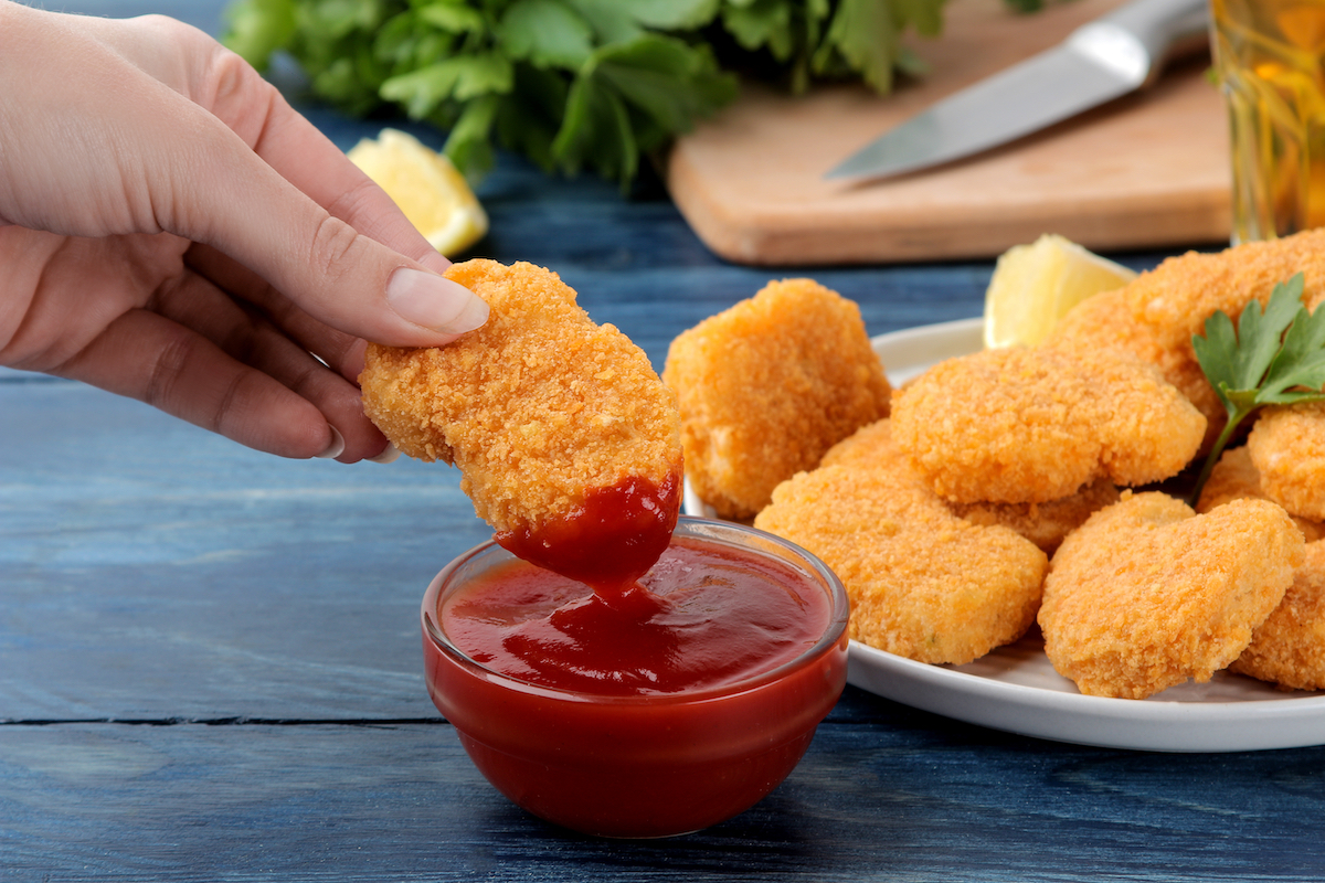 Chicken nuggets in ketchup