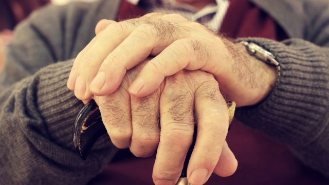 Closeup,Of,The,Hands,Of,An,Old,Caucasian,Man,With