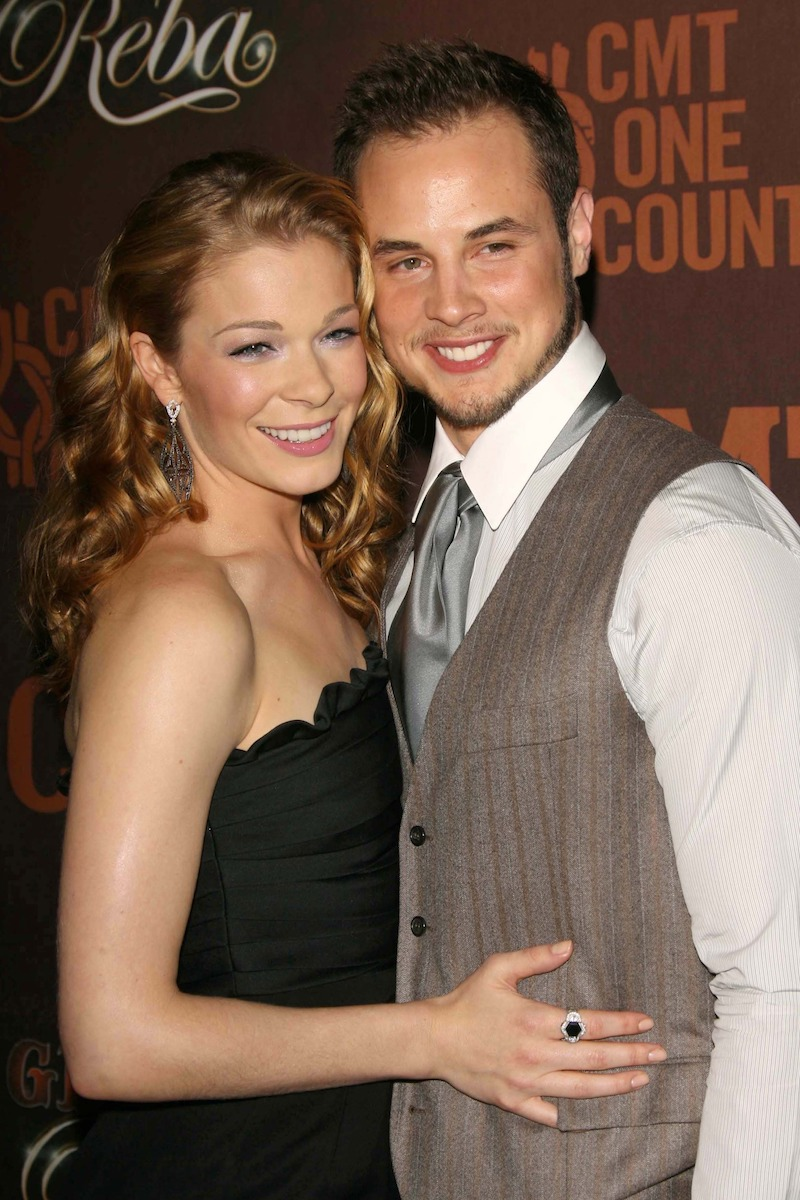 LeAnn Rimes and Dean Sheremet at CMT Giants in 2006