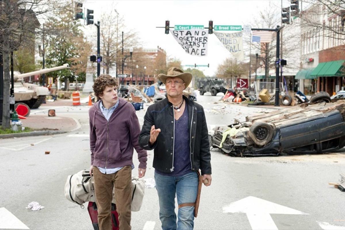 Jesse Eisenberg and Wody Harrelsoni in Zombieland