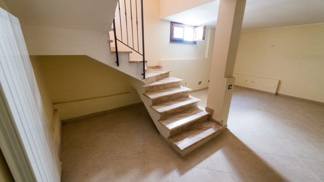 staircase into basement