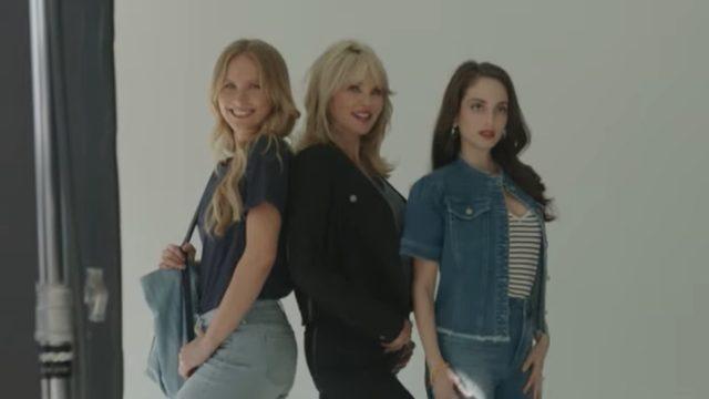 Christie brinkley modeling nydj