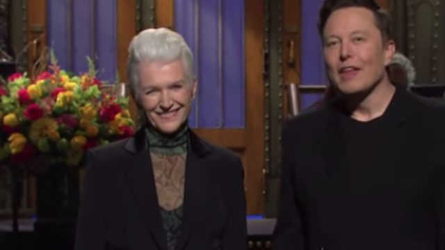 elon musk and his mom smiling on snl