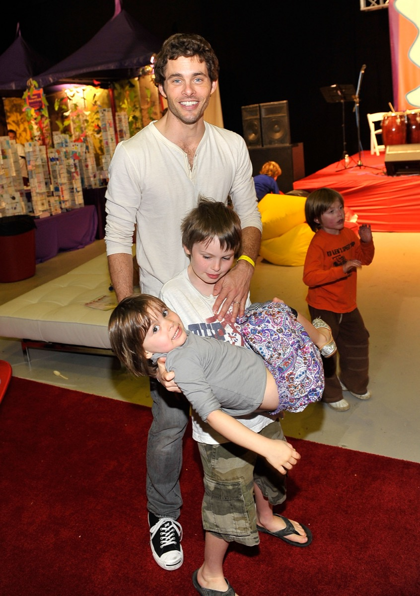 r James Marsden with son Jack and daughter Mary in 2009