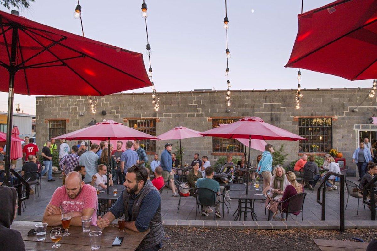 Ardent Craft Ales, best outdoor bar in Virginia
