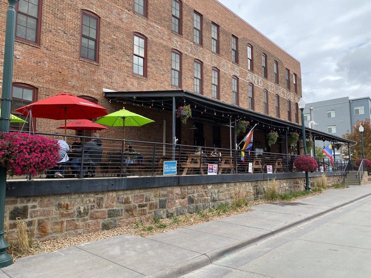 Bread & Circus Sandwich Kitchen, best outdoor bar in South Dakota