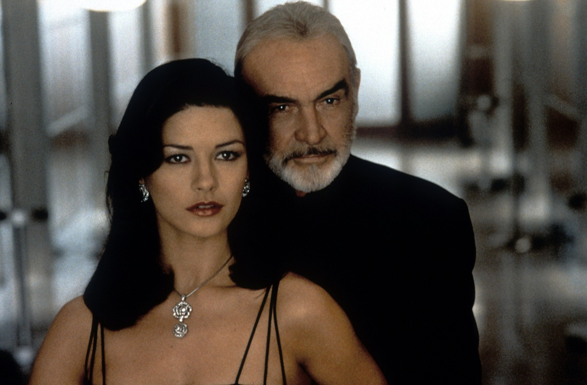 Catherine Zeta-Jones and Sean Connery in Entrapment