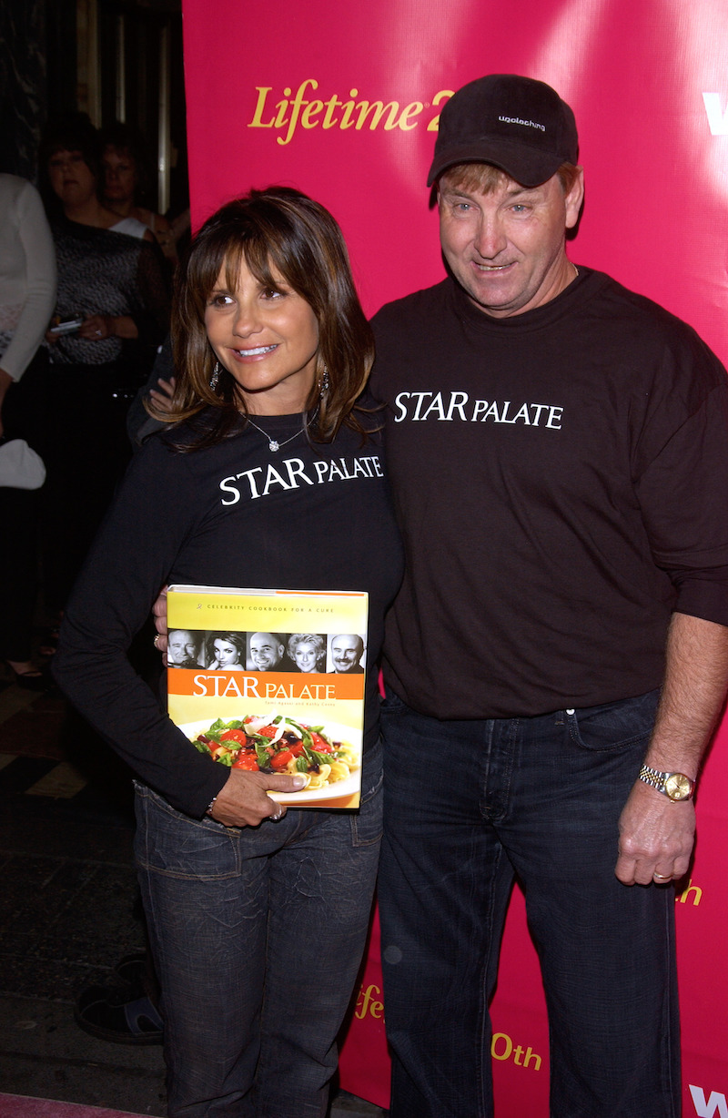 Lynne and Jamie Spears at a Lifetime event in 2004
