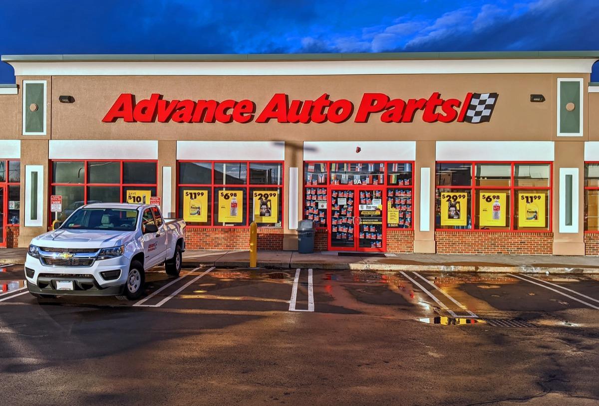 advance auto parts exterior